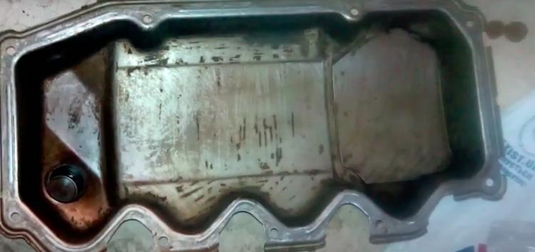 Заміна прокладки клапанної кришки Auto Parts 480-1003060BA на Ford Escort 1,6 (відео)