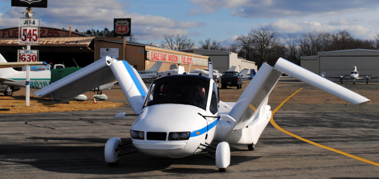 У США випустили автомобіль, який перетворюється в літак