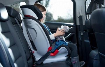 Кабмін допрацював правила для дітей в авто