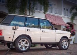 Range Rover Classic 1995 рік перетворили в електромобіль