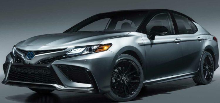 На українському ринку почали продавати нову Toyota Camry 2021 року
