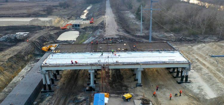 Автобан від Дніпра до Києва активно будують