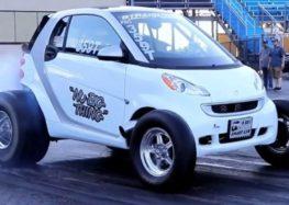 Крихітний Smart отримав двигун V8 потужністю 725 к.с.