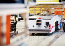 Батареї електромобілів Nissan поставлять в роботів