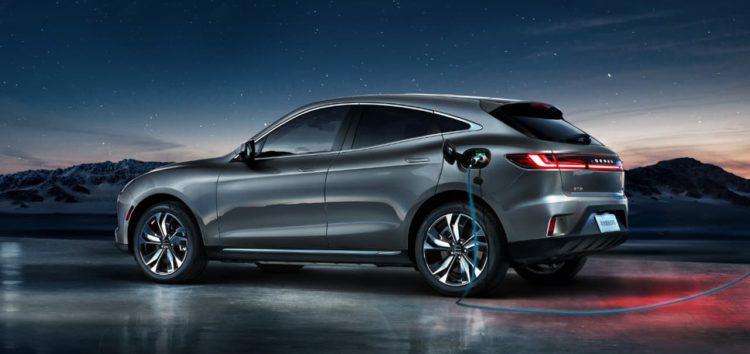 Cyrus і Huawei представили новий гібридний автомобіль