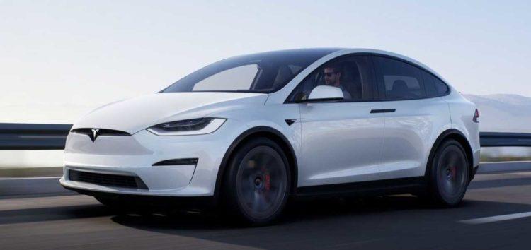 Автопілот Tesla не впорався з трафіком В'єтнаму (відео)