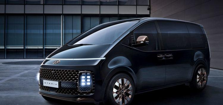 Hyundai представив інтер'єр нового мінівена Staria (відео)