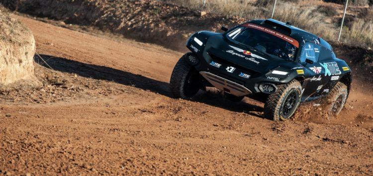Водневий позашляховик Extreme E взяв участь у гонках по пустелі
