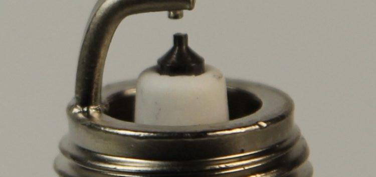 Підробні автозапчастини: Свічка запалювання Denso 4701