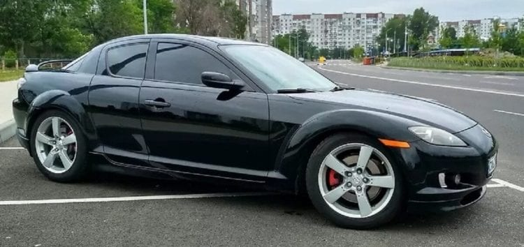 На продаж виставили спорткар Mazda з сюрпризом