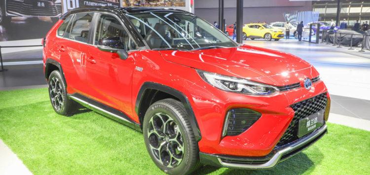 Toyota RAV4 досягла витрат 2,6 л на 100 км