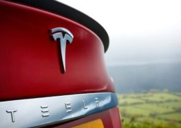 Model S Plaid отримає висувний спойлер