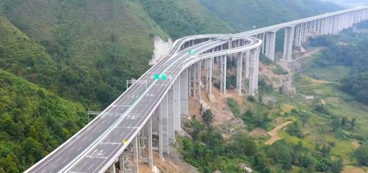 Дорога з найбільшим розворотом у світі (відео)