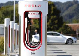 Зарядки Supercharger будут обеспечены энергией из возобновляемых источников
