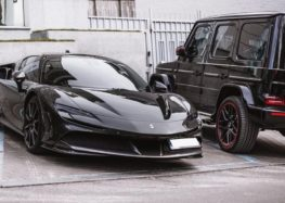 В Киеве заметили мощный суперкар Ferrari SF90 Stradale