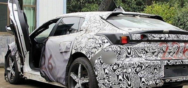 Geely випустить електрокар з дверима в стилі Lamborghini