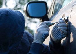 Автомобільні злодії масово полюють на рульові колеса