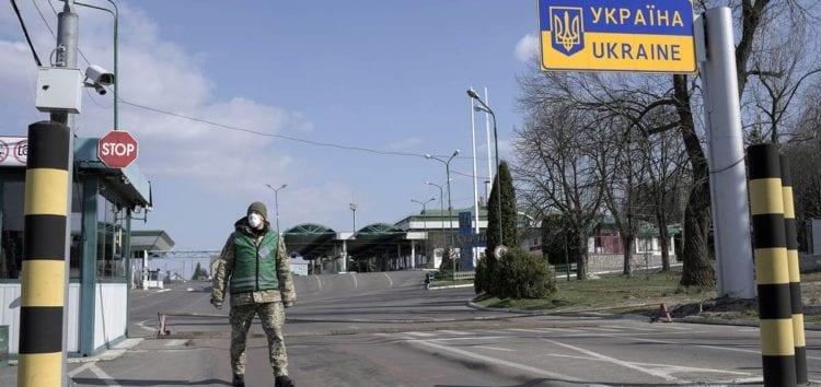 Українці виїжджатимуть з окупованих територій без документів