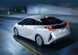 Перші подробиці про абсолютно нову Toyota Prius