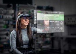 Співробітники Skoda отримали подарунок –окуляри доповненої реальності