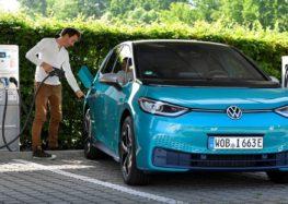 Volkswagen буде брати погодинну оплату за автономне водіння