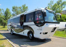 Угорська компанія випустила автобус-амфібію
