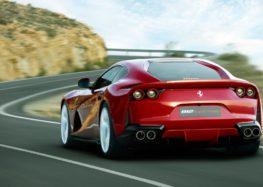 Ferrari 812 Superfast розігнався до 331 км/год на німецькому автобані (відео)