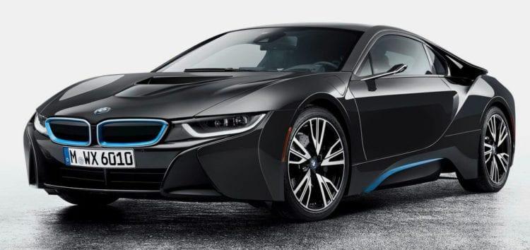 BMW заменит традиционные зеркала на проекционные дисплеи