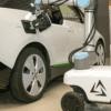 Австрійські компанії презентували автономний робот для зарядки електрокарів