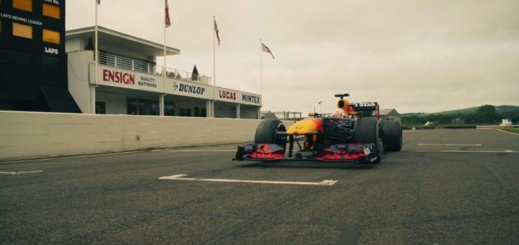 Пройшла гонка між болідом Формули-1 і різними транспортними засобами (відео)