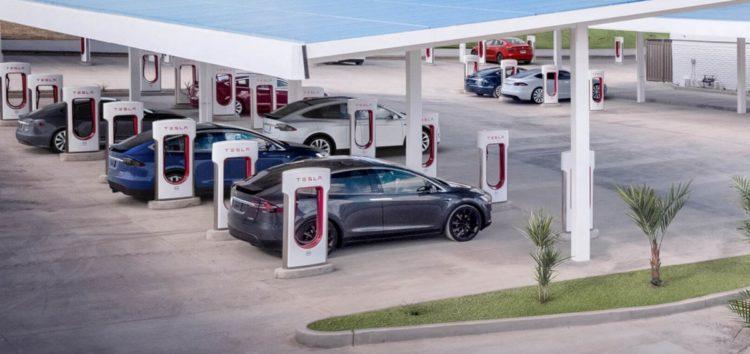 Tesla відкриє Supercharger іншим авто
