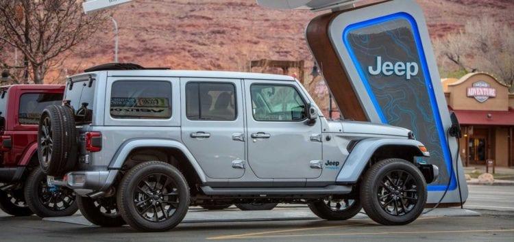 Компанія Jeep відмовиться від дизельних і бензинових двигунів
