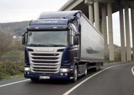 В Україні водії вантажівок будуть платити за проїзд по трасах
