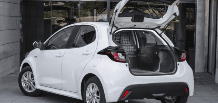 Toyota представила комерційну версію Yaris