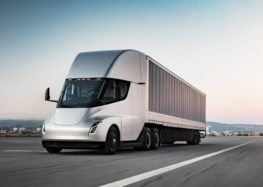 Оновлена вантажівка від Тесла переходить до масового виробництва