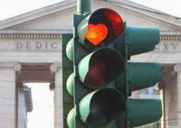 В Італії світлофори штрафують порушників