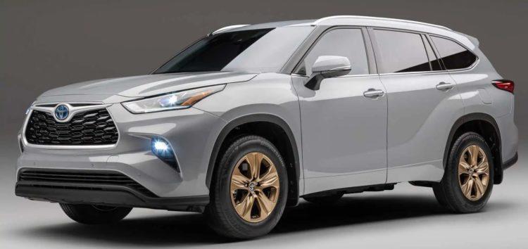 Стало відомо, коли надійде в продаж Toyota Grand Highlander