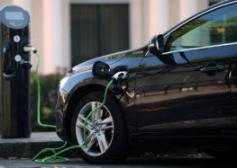 Продажі електромобілів в ЄС збільшились майже вдвічі