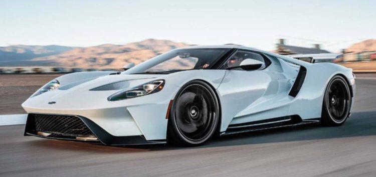 Компанія Ford випробовує новий мотор на Ford GT
