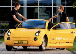 Студенти з Нідерландів представили електромобіль зі сміття