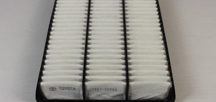 Підробні автозапчастини: Фільтр повітряний Toyota  17801-30080