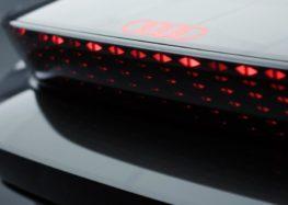 Audi розкрила нові деталі розкішного Skysphere