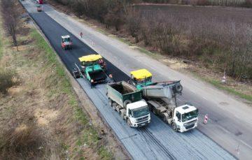 Багато українців думають, що дороги серйозно покращились