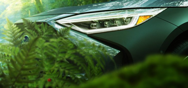 Subaru показала перший електрокросовер