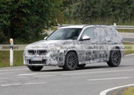 BMW X1 2023 проходить випробування