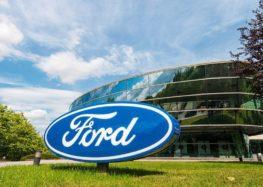 Ford почне відновляти старі автівки