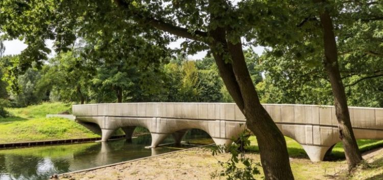 В Голландии напечатали самый длинный велосипедный мост