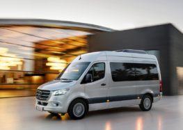 "Новий Mercedes-Benz Sprinter випустять з дверима ""автобусного типу"""