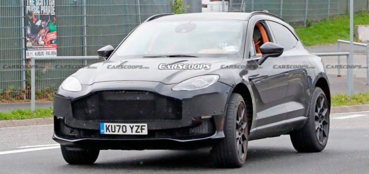 Aston Martin випустили на тести кросовер з мотором V12