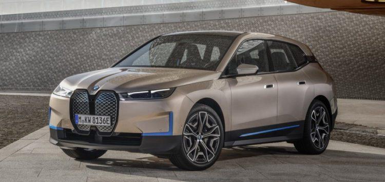 BMW не дозволить відчиняти капот власникам електроверсії iX